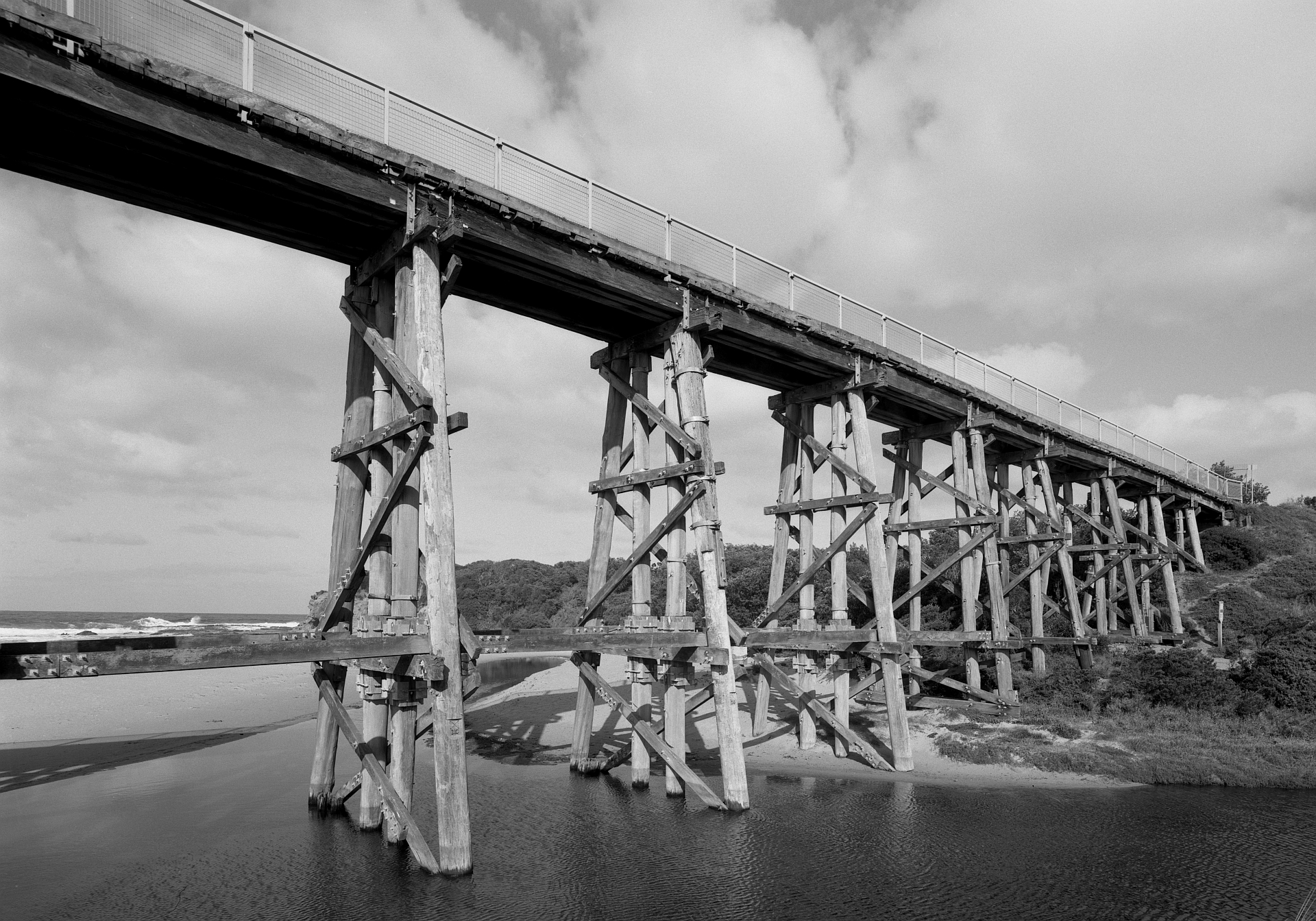 4x5_FP4_Fujinon_65mm_Centre_Filter_Shen_Hao_Kilcunda_Bridge_004_Web.jpg
